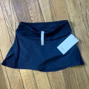 NWT LULULEMON Play Off Pleats Navy Blue Skirt 6